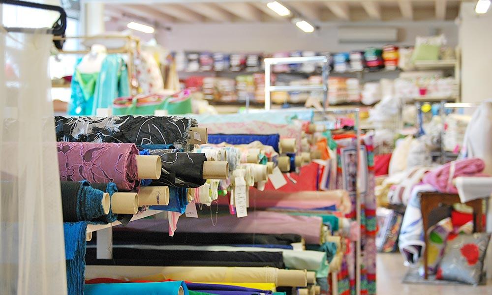 Tessuti d'arredo, tessuti per abbigliamento, tessuti per tende e tendaggi