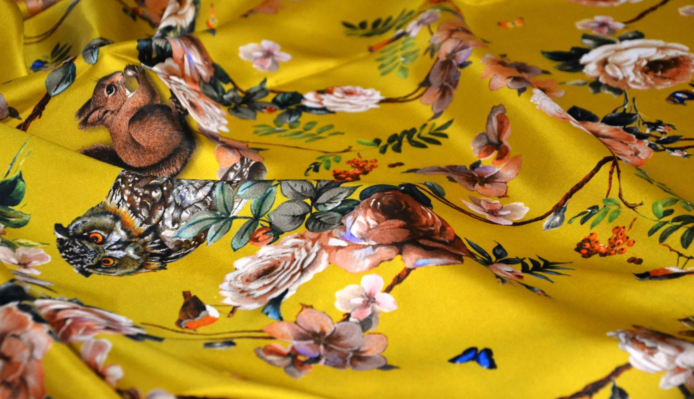seta autunno fondo giallo2